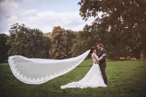 Brautpaar mit Schleier in Rheder