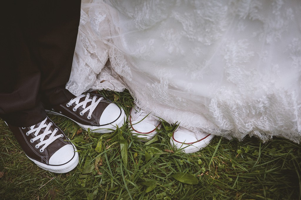 Brautpaar in Chucks