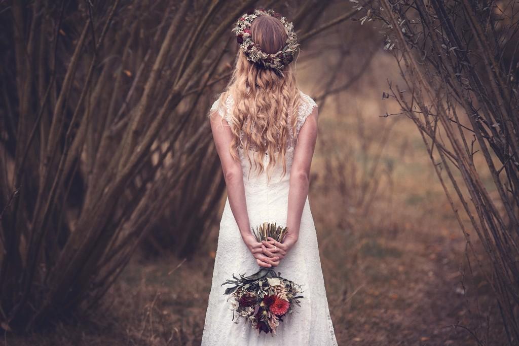 Braut mit Brautstrauß in Höxter