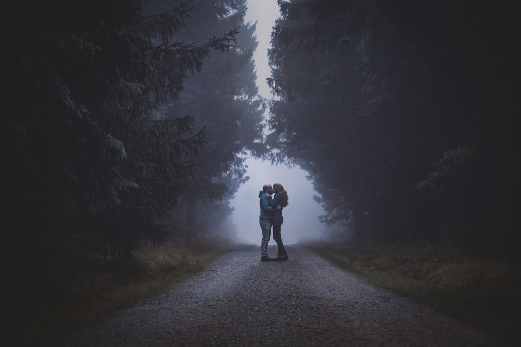 hochzeitsfotograf im harz beim paarshooting auf dem brocken