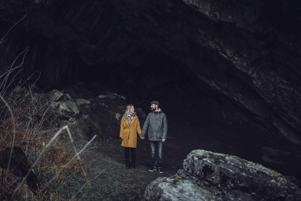 Paar in Höhle Paderborn