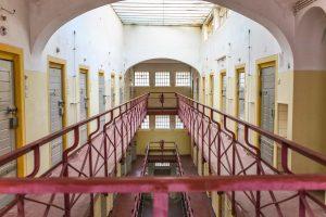 Zellentrackt Frauengefängnis Berlin Soeth 7
